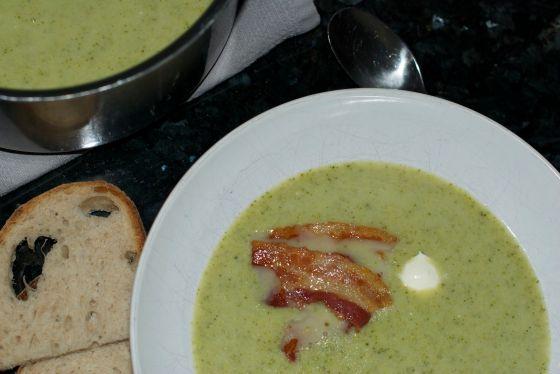 Brokkoli og løksuppe